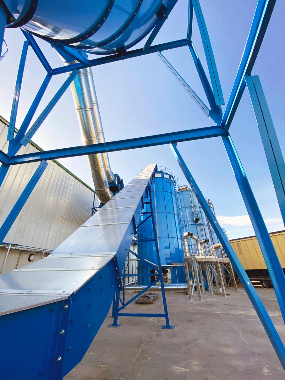 Chain and flight conveyor to silo